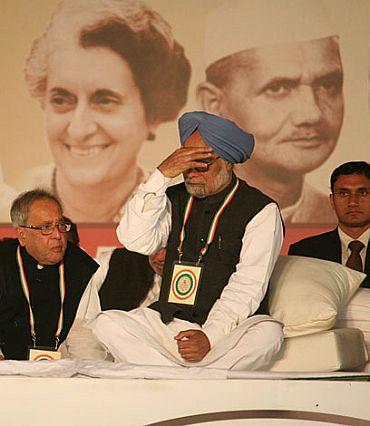 Prime Minister Manmohan Singh with Finance Minister Pranab Mukherjee