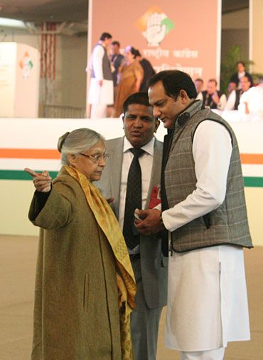 Sheila showing Azhar the way...?