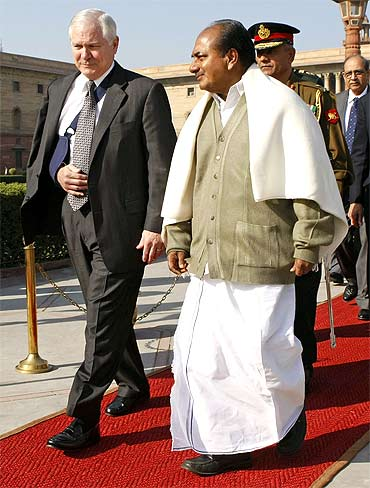 US Secretary of Defense Robert Gates with Defence Minister A K Antony
