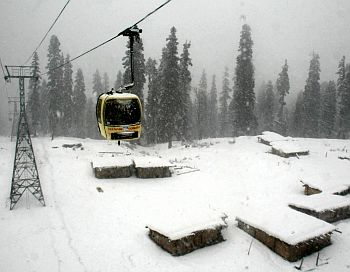 A cable car trip in Gulmarg