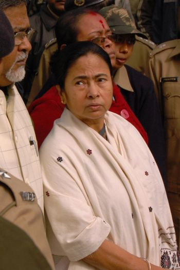 Trinamool Congress chief Mamata Banerjee comes to pay her tribute