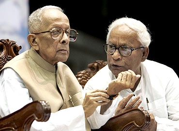 Basu and present West Bengal Chief Minister Buddhadeb Bhattacharya attend the 30th anniversary celebrations of the communist party government in Kolkata in 2007