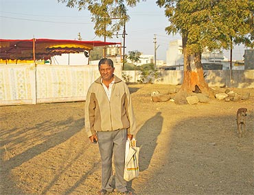 All alone: Bharat Soni, the neem tree and a stray dog at the 'memorial park'