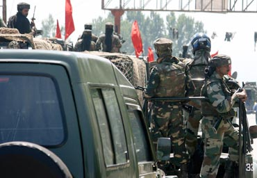 Army parades through the riot-torn Srinagar