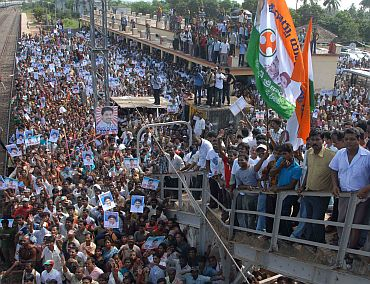 Jagan's supporters greet their leader at the railway station
