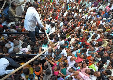 Thousands attend Lord Jagannath's rath yatra
