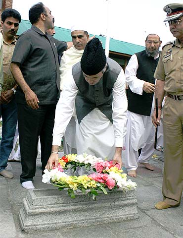 Jammu and Kashmir CM Omar Abdullah pays tribute at the martyr's graveyard in Srinagar