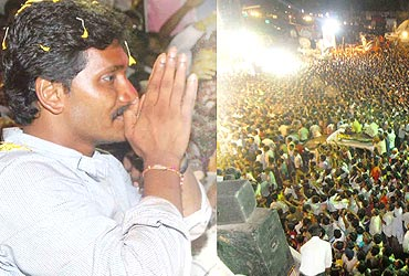 Jagan and, right, the crowd at Srikakulam