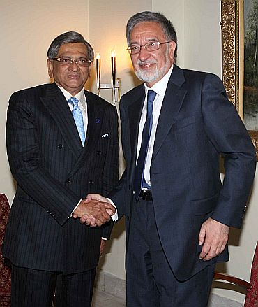 Foreign Minister S M Krishna with his Afghanistan counterapart Dr Jalmay Rossoul during bilateral talks in Kabul on Tuesday