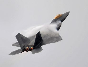 An F-22 Raptor aircraft puts up an excellent display