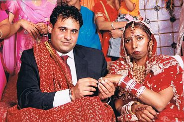 Marriage frauds on Indo-Canadians on the rise - Rediff com