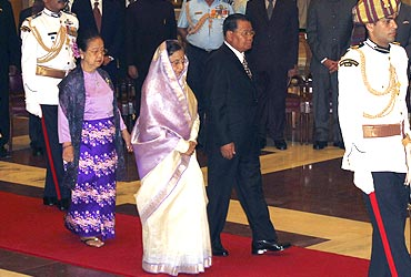 General Than Shwe at the ceremonial reception at Rashtrapati Bhavan