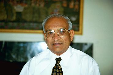 Surgeon Dinesh Patel to have lab named after him - Rediff