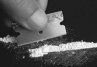 Why drug users become addicts