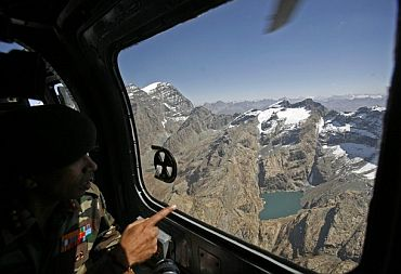 An unidentified Indian general makes an aerial survey near the LoC