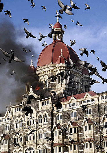 Taj Hotel in Mumbai on fire during the 26/11 attacks