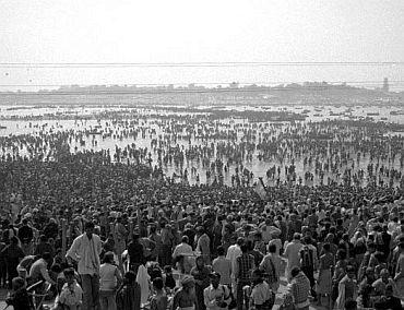 Maha Kumbh Mela (1954): 800 dead