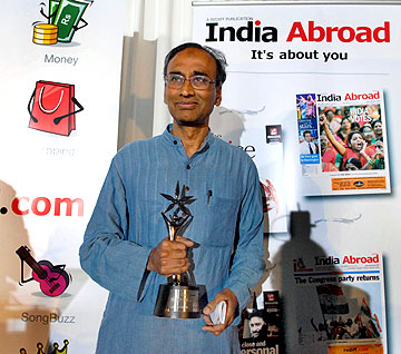 Nobel Laureate Dr Venkatraman Ramakrishnan, India Abroad Person of the Year 2009, poses with his trophy