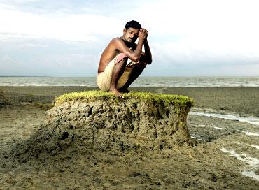 Shukdev Das. Ghoramara Island, Sundarbans