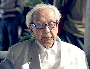 India News - Latest World & Political News - Current News Headlines in India - Legendary artist S H Raza laid to rest in native village