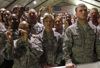 US troops listen to Obama during his visit to Bagram Air Base in Kabul