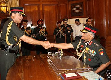 General VK Singh takes over the charge as new Chief of Army Staff from General Deepak Kapoor
