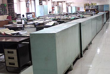 Many offices were also deserted as many Mumbaikars decided to stay home