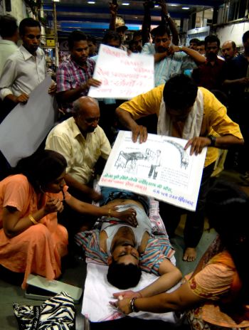The motormen on hunger strike on Monday night