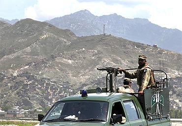 Pakistani soldiers keep guard in Mingora, Swat