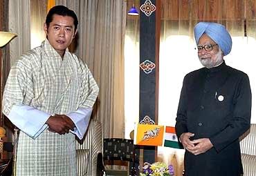 King Jigme Khesar Namgyal Wangchuck of Bhutan with Prime Minister Manmohan Singh
