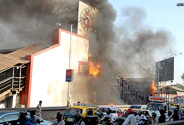 Fire at Dadar railway station