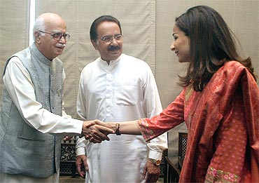 BJP leader L K Advani with PPP leader Sherry Rehman in Islamabad