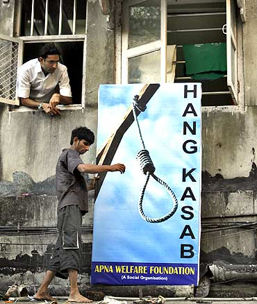 A billboard seeks the death rap for Kasab