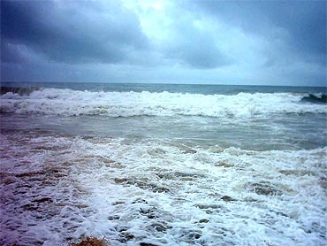 The rough sea at Visakhapatnam