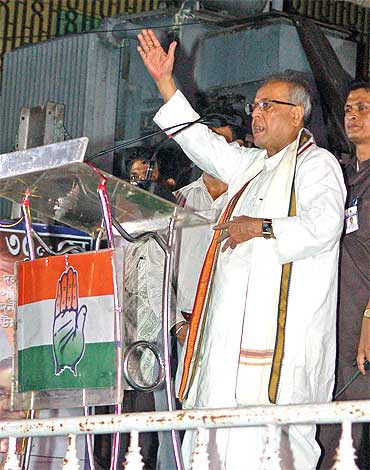 Pranab Mukherjee at a poll rally