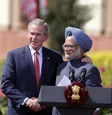 Bush with Prime Minister Manmohan Singh in New Delhi
