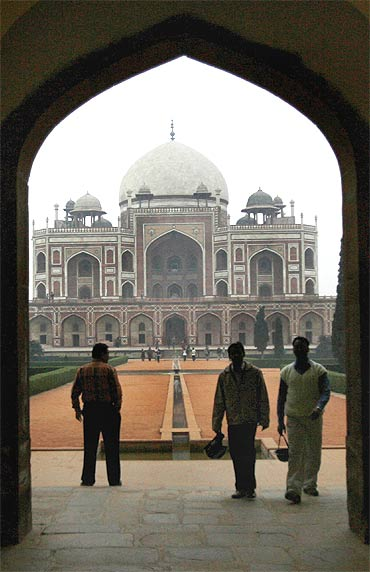 The Humayun's tomb in Delhi, which Obama will visit