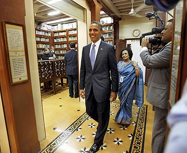 Obamas at the Gandhi museum