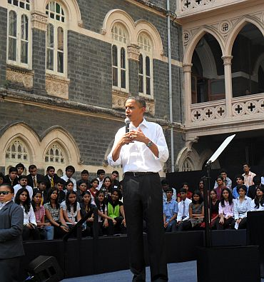 Obama interacts with the students
