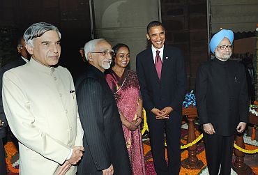 Union minister Pawan Bansal, Hamid Ansari, Speaker Meira Kumar, Obama and Dr Singh at Parliament