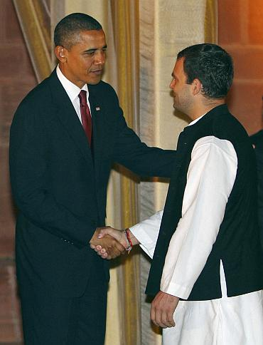 Rahul Gandhi (R)speaks with US President Barack Obama
