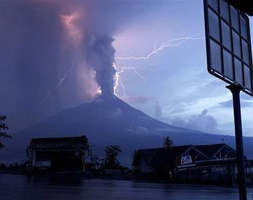 Indonesia's Fire Mountain is still erupting!
