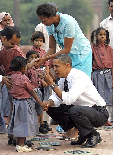 Michelle and Barack Obama with kids at Humayun's Tomb in New Delhi