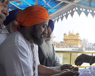 Sri Sri at the Golden temple
