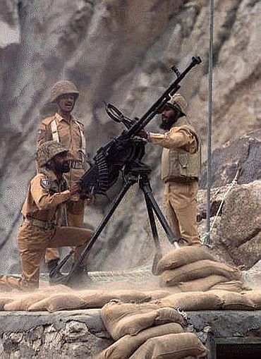 US told Pak to get out of areas occupied during Kargil War' - Rediff