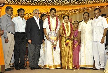 Liquor baron Vijay Mallya with the newlyweds