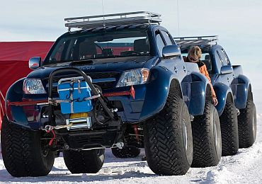 The Indian scientists hired 4 Toyota Hilux Arctic trucks to reach their destination