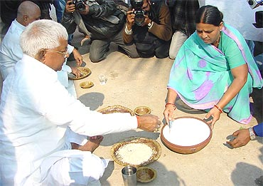 Lalu and wife Rabri at an election rally in Bihar