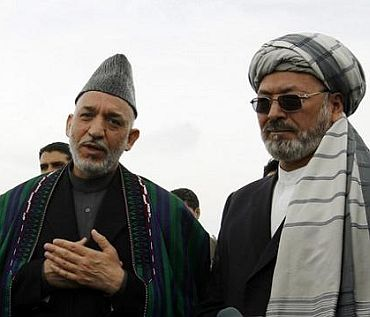 Karzai with Afghan tribal leaders