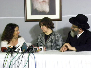 Aimee Ginsburg, Freida and Rabbi Nachman Holtzberg at Nariman House